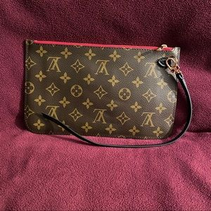 Louis Vuitton Monogram Neverfull MM Pochette